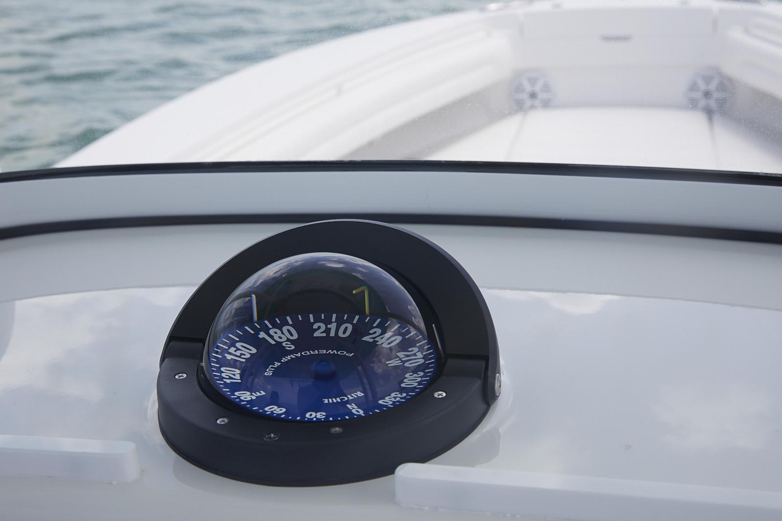 Regulator 25 | Regulator Marine Boats